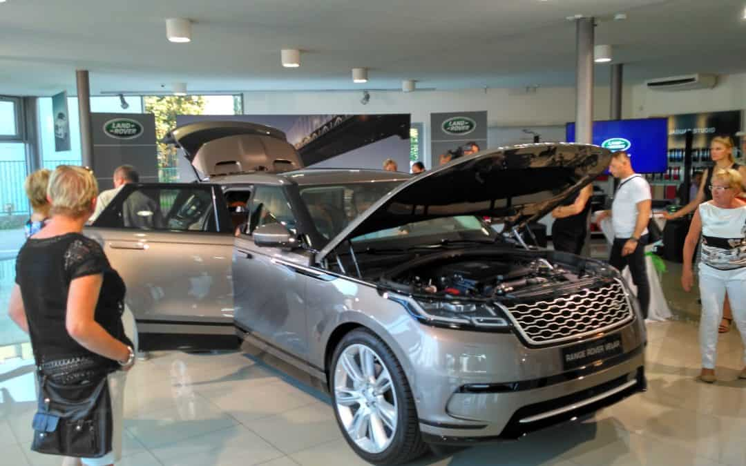 Range Rover Velar v Cartec motor